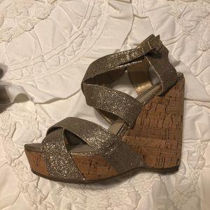 Shoes - Steve Madden sparkle wedges!